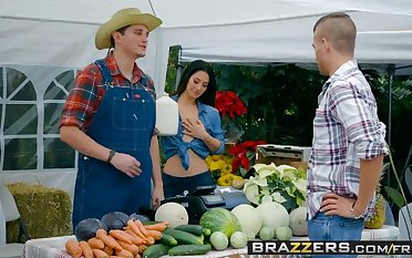 Brazzers - Real Wife Stories -  The Farmers Wife scene starr