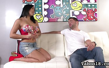 Filipino curvy babe Mia Li gives a splendid tugjob to her innovative client