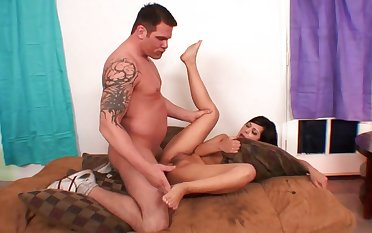 Fat cock stretches a sexy slut in brim gloss